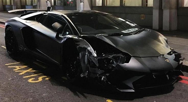 Lamborghini Aventador SV Roadster raced and crashed in London, damaging two other cars