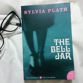 The Bell Jar by Sylvia Plath | 24 Books That Are Actually Honest About Mental Illness