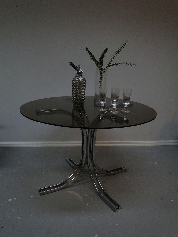 Läckert glasbord