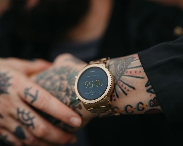 Gen 3 Smartwatch Explorist Gold Tone Stainless Steel Smart Watch Accessories Gold