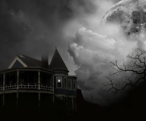 Scariest, Haunted Places to Visit in the US! Womensforum.com #Halloween
