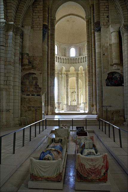Fountevraud Abbey in France. Recumbent figures of Plantagenet dynasty: Henry II & Eleanor of Aquitaine, their son Richard the Lion Heart and Isabella d'Angouleme