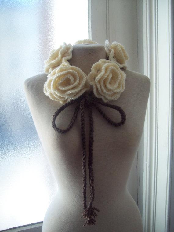 pretty crochet necklace