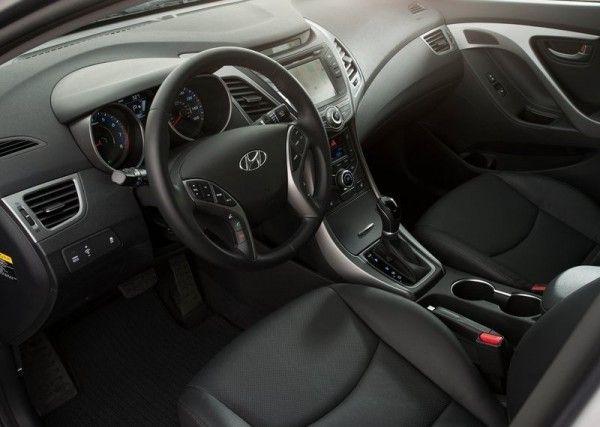2014 Hyundai Elantra Sedan Luxury Dashboard 600x427 2014 Hyundai Elantra Sedan Reviews and Design