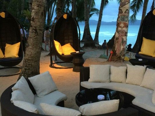 Lishui Beach Resort, Boracay Island, Philippines, Pub