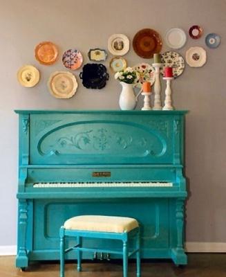 blue piano!