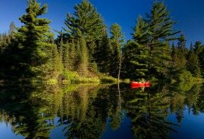 The Temagami region boasts over 2000 km of canoe and kayak routes.