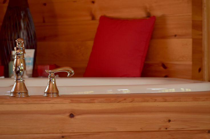 lambris en pin rouge noueux huilé couleur vieux pin