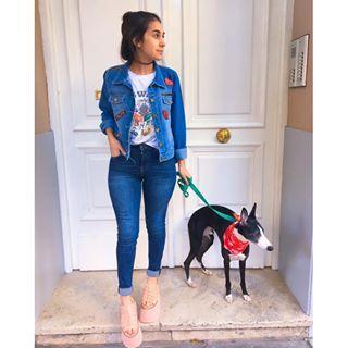 Look de hoy con @pepperfd jajaja Campera @muaaoriginal Jeans @hm Remera @koxismodaoficial (de hace un par de temporadas) Zapatos @toutrevient El pañuelo de Pepper es de @kaspetargentina jajaja #fashion #look #style #ootd #outfit