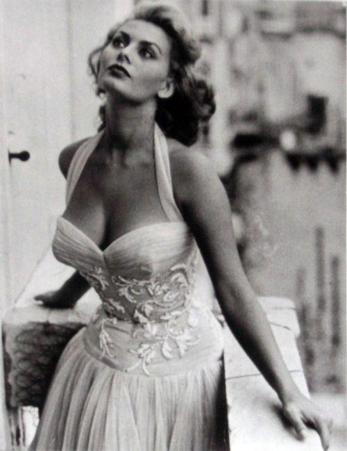 Sophia Loren: Glamour, Sophia Loren 1950, Sofia Loren, 1950S Celebrity, Classic Beautiful, Beautiful Women, Dresses, 1950 S, Sophialoren