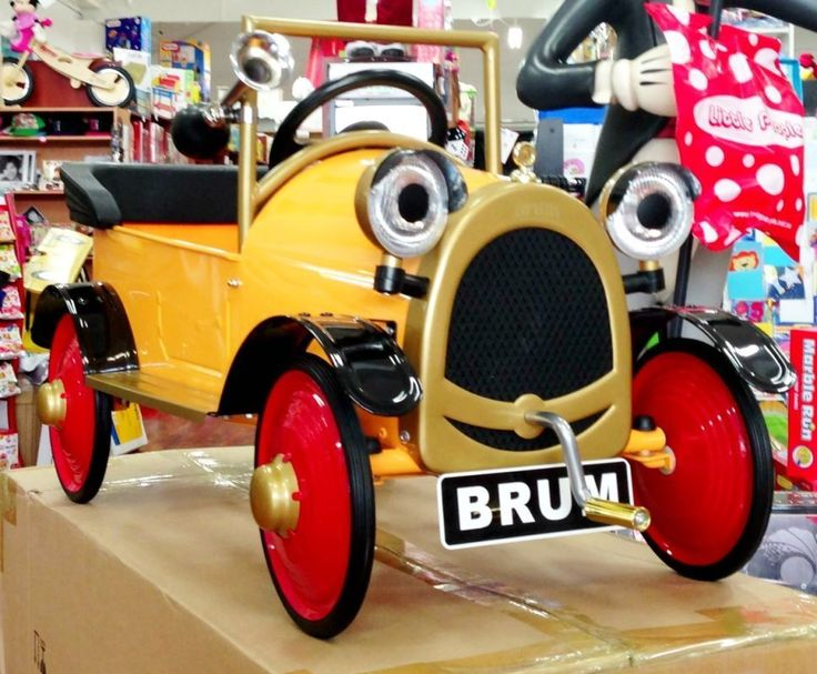 Brum Yellow Vintage Ride On Pedal Car Classic Collectables Kids
