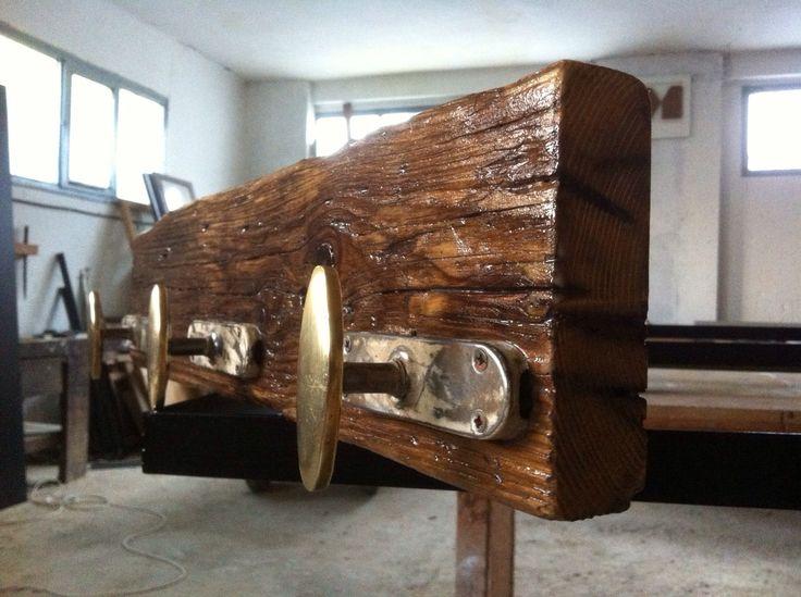 cuelgaropa de madera reciclada by #lanoblemadera