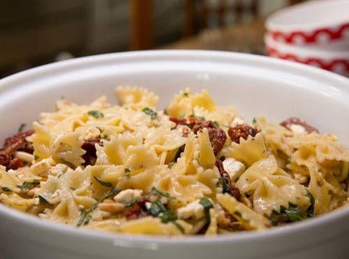 italienischer-nudelsalat-mit-rucola-fs.jpg