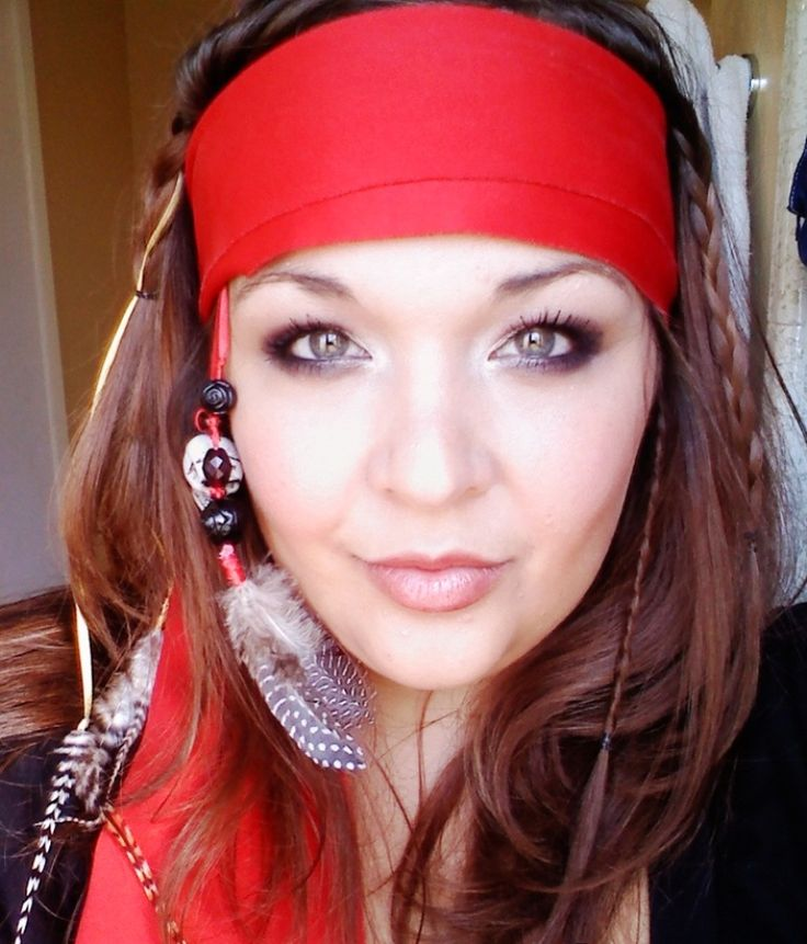 Female Pirate Makeup and Hair