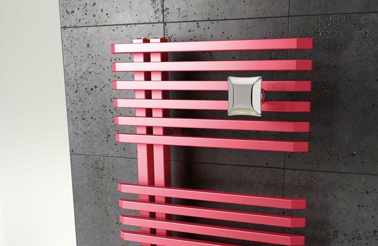 Accessori che completano il corpo scaldante rendendo l'ambiente bagno unico e personalizzato. La nuova serie di stendini ed appendini HANG UP è caratterizzata da un semplice e rapido montaggio grazie agli appositi supporti universali applicabili sui radiatori Irsap. Gli accessori Hang Up sono forniti nelle finiture colore della Cartella Colori Irsap.