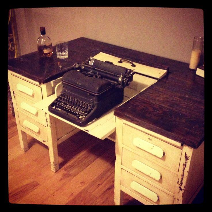 Typewriting Desk. - 87 Best The Past: Typewriters Images On Pinterest Typewriters