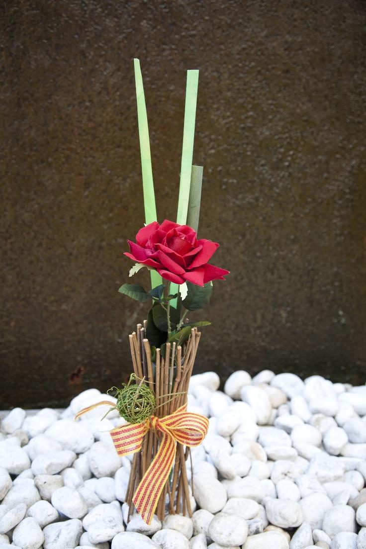 60 best viviendo el sant jordi images on pinterest get a - Adornos florales para casa ...