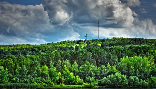 Saviez-vous que le parc du Mont-Bellevue est le plus vaste de Sherbrooke ? Vous pourrez y pratiquer le ski alpin, le ski de fond, la raquette, le tennis et le tic à l'arc. De plus, de sentiers pédestres pour la course ou la marche sont aménagés sur plusieurs kilomètres.