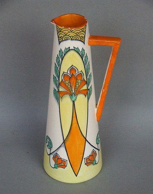 Кларис Клифф (20.01.1899 - 23.10.1972) - художница-керамист из Англии, совершившая прорыв в дизайне и сделавшая беспрецедентную для женщины карьеру в 1920-1930 годах.