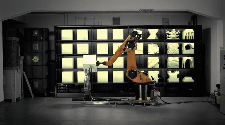 Vergesst den 3D-Printer, die selbstgeschraubten Vakuumtische, den Kritzelplotter. Der RoboChop ist ein Industrieroboter, der einem heißen Draht Pol