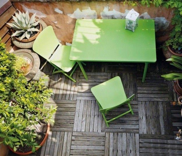 Quadrotti in legno - Quadrotti in legno effetto naturale per pavimentare un terrazzo in stile rustico.