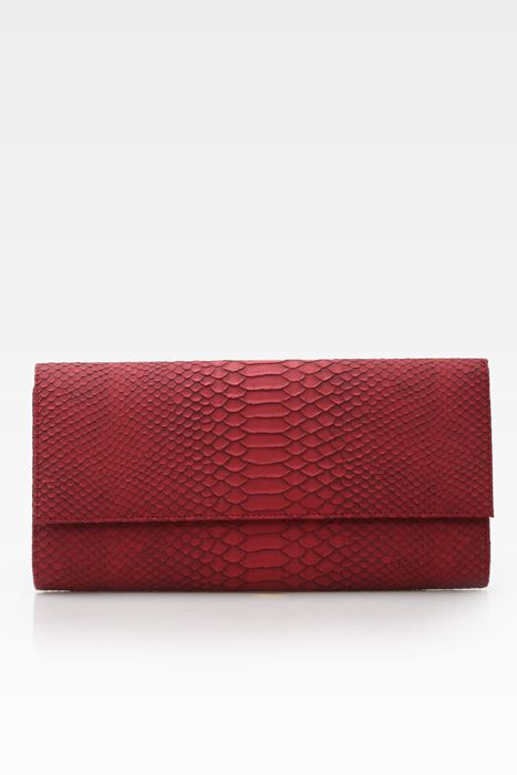 Poison ivy 1a clutch bag #clutchbag #taspesta #handbag #clutchpesta #fauxleather #kulit #snakeskin #kulitular #animalprint #persegi #fashionable #simple #colors #red Kindly visit our website : www.bagquire.com