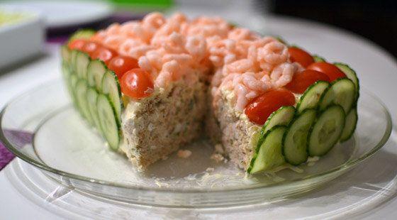 …Lækker opskrift på tunlagkage, som er nem og lige til at gå til med ingrediensliste og fremgangsmåde.