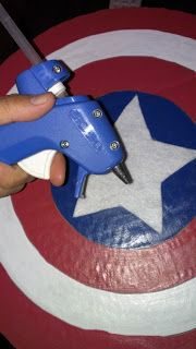 How to make Captain America. Avenger Party. Captain America Shield. DIY Captain America Shield. | Elie Las Vegas
