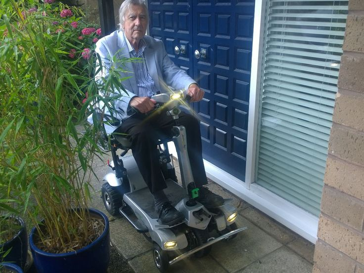 Mr Baggerly on his Flyte mobility scooter book your test http://contact.quingoscooters.com/social-mobility-scooters