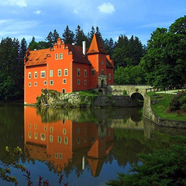The Czech Republic is home to legendary castles. View photos, get information about visiting, and learn about their history and legends.: Discover the History and Romance of Czech Castles
