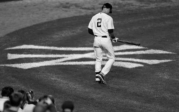 20 Dramatic Images Of Derek Jeter's Amazing Curtain Call At Yankee Stadium