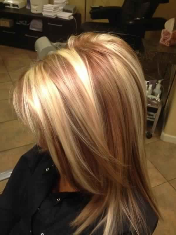 Beautiful golden blonde hair with reddish caramel or toffee coloured lowlights. L♥Ve it.