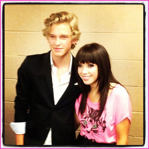 "Carly Rae Jepsen And Cody Simpson Perform ""Good Time"" On Justin Bieber's Believe Tour"