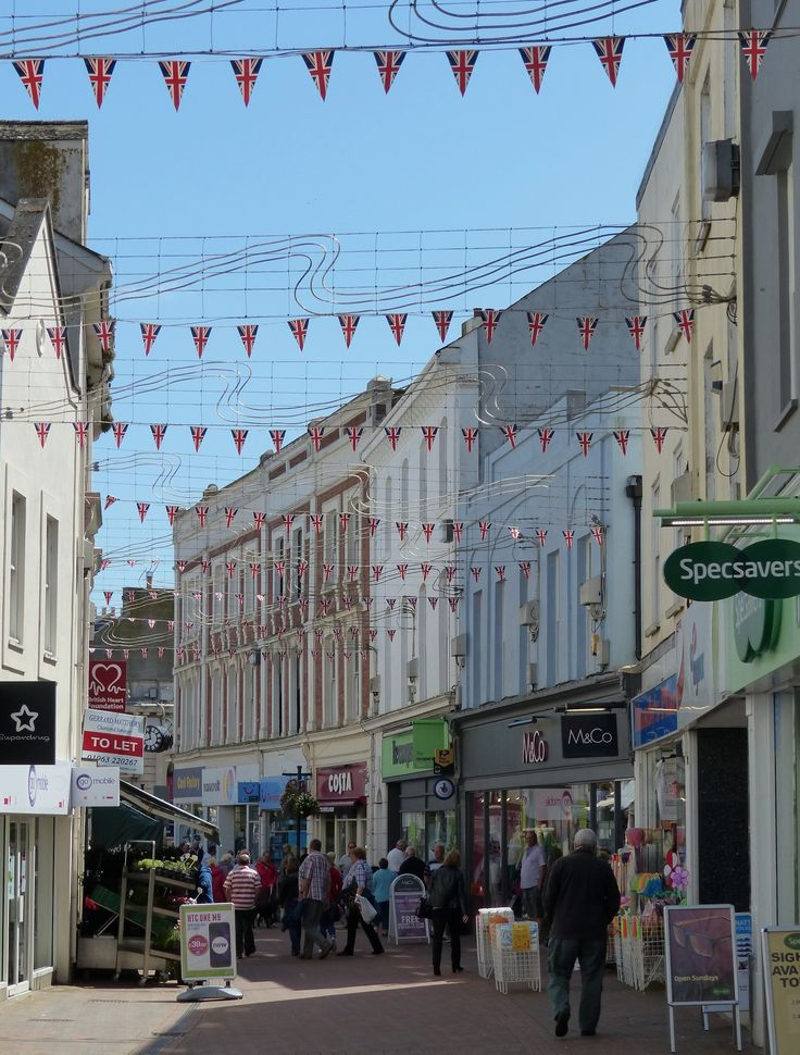 Bunting's out in Teignmouth
