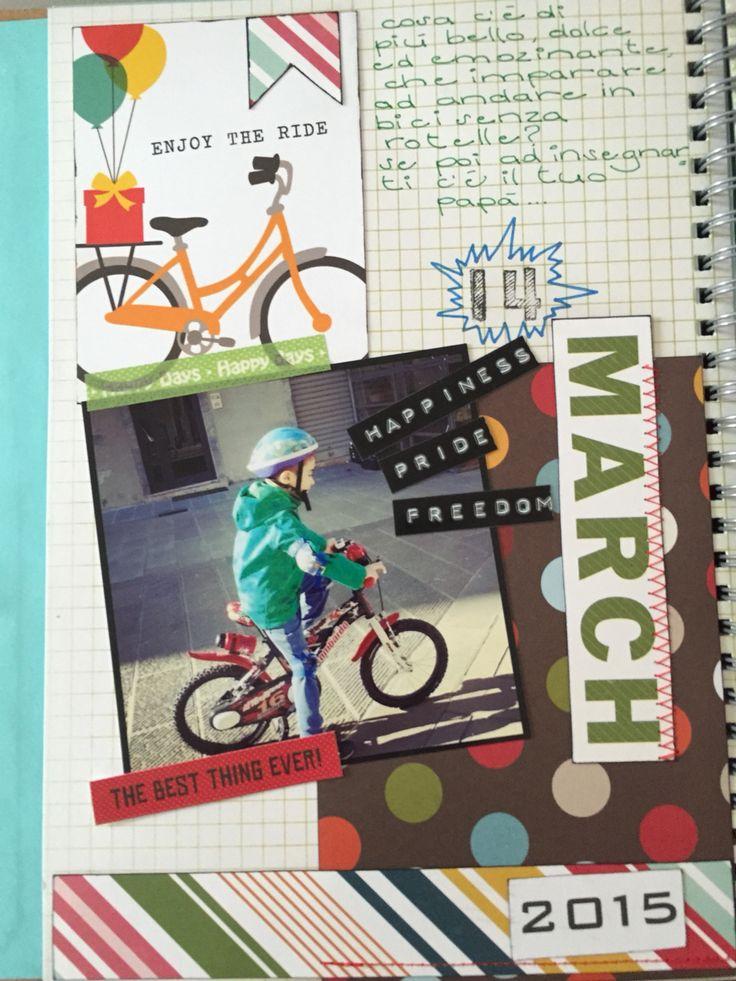 lorenzo va in bici senza rotelle