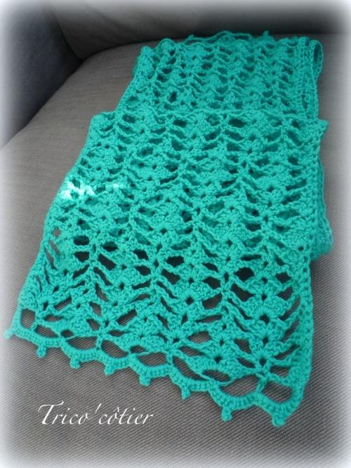 Free Crochet Scarf Patterns Australia : 17 Best images about ? Echarpes ch?les au CROCHET ? on ...