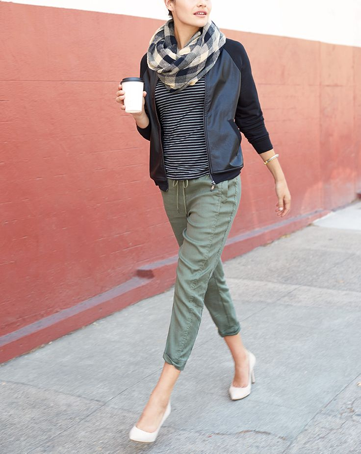 The easiest way to be casual, comfy & chic? The athleisure trend. Check out 3 simple street-smart outfits to sport now.