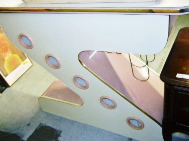 Cool Retro Gently Used Bar Located In Boca Raton, Florida  Www.pastperfectconsignment.com