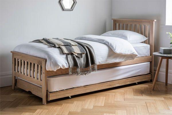 Banbury Oak Guest Bed Set