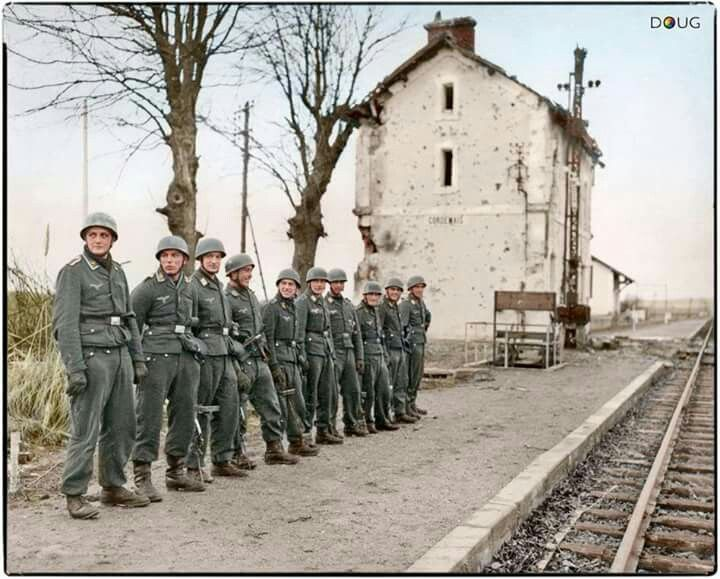 Fallschirmjäger (Paratroopers) of the St.Nazaire garrison await the arrival of…