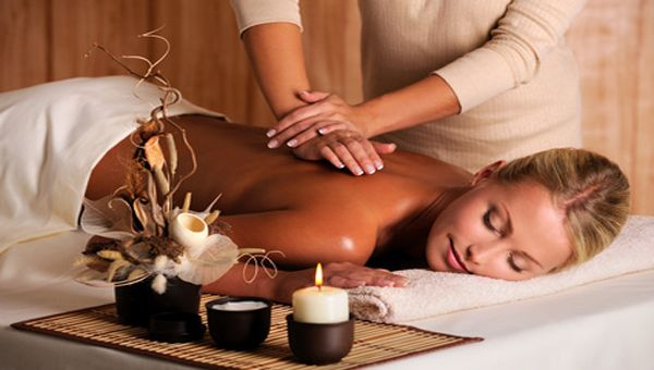 Deep tissue massage, and aromatherapy- a must-have at my dream spa retreat! #spaweek