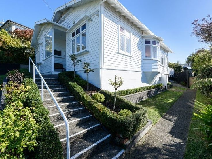 Ngaio, 3 bedrooms, $795 pw | Trade Me Property
