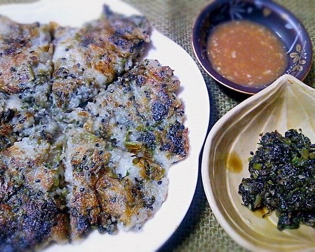 夕食にもう一品と思ったら、二品になっちゃいました♪ こりゃ‥満腹だ(笑)! (≧∇≦) - 73件のもぐもぐ - 『大根葉ふりかけ』からの『大根餅チヂミを梅酢ダレで』 by Kusukus