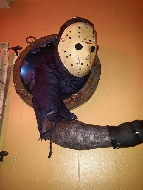 Cool 'Jason Takes Manhattan' Wall Hanger Depicts Rennie Attack In Film | Friday The 13th: The Film Franchise