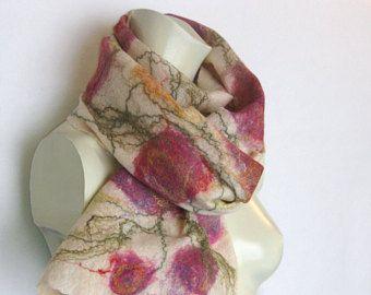 Gainé de feutre écharpe, foulard en feutre rose, foulard en soie laine, écharpe de printemps, Floral foulard, écharpe blanche, feutrée, écharpe de toile d'araignée, Snood laine, cadeau pour elle
