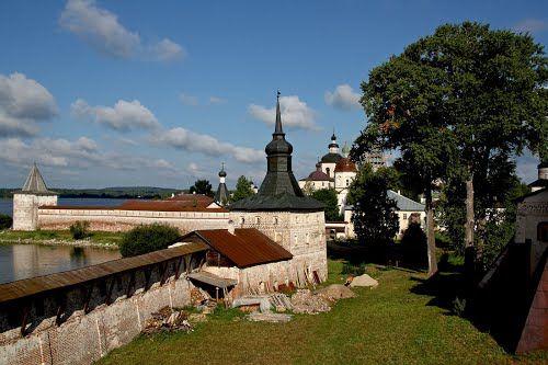 Монастырский дворик. Кириллов
