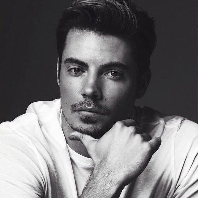#JoshHenderson :) What a handsome man. Current Celebrity Crush.