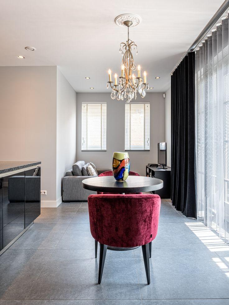 Interieuradvies | stijlvol wonen #kleuraccent #colourtrends #red #detail #elegant #stylisch #201607 #kokwooncenter