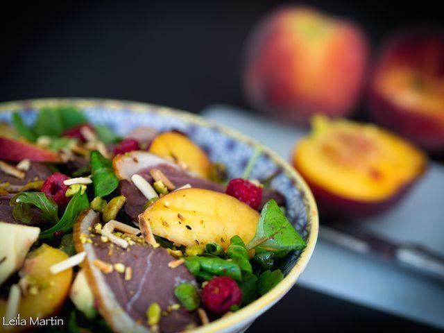 Salade pêches, framboises et magret fumé – je vais vous cuisiner