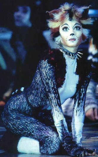While I certainly can't dance like a Jellicle cat, I really want a reason to wear this costume. Halloween perhaps?